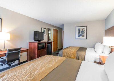Omaha NE Comfort Inn SW Omaha I 80 2 Bed 1
