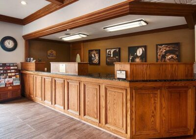 Galesburg IL Best Western Prairie Inn Front Desk 2