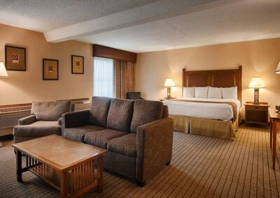 Galesburg IL Best Western Prairie Inn Suite 1